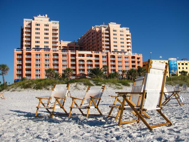 Walk just paces to reach the white sands of Clearwater Beach - Hyatt Regency Premium King Guestroom 7 Night Beach View Get-away - Clearwater Beach - rentals