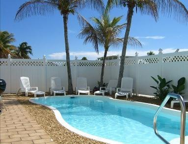 Very private sparkling pool - Huge Waterfront Gem Pool Spa Dock - Key Largo - rentals