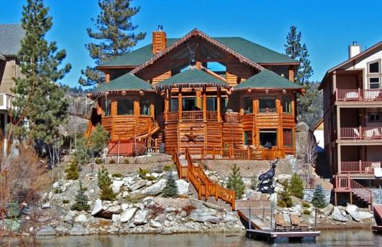 Boulder Bay Lodge - WINTER - Boulder Bay Lakefront Cabin a luxurious log-style lakefront Vacation Cabin in Big Bear Lake with a jacuzzi and close to shopping and marinas. - Big Bear Lake - rentals