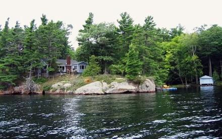 """Belle Cove"" Big Rideau Lake - Image 1 - Rideau Lakes - rentals"