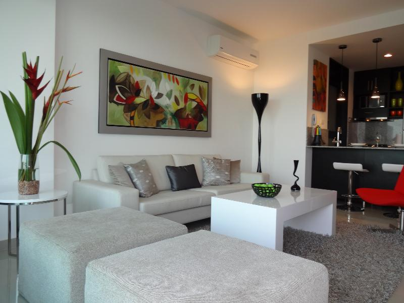 Luxury  Beach Condo, 1 Bedroom - Image 1 - Cartagena - rentals