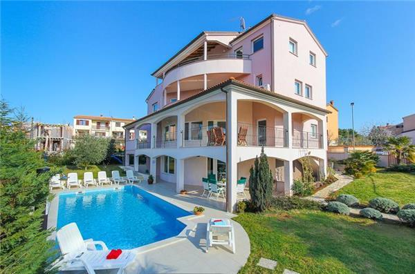 8 bedroom Villa in Pula, Istria, Stinjan, Croatia : ref 2103848 - Image 1 - Stinjan - rentals