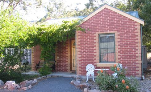 Cottage number 3 - Heatherlie Cottages Halls Gap, cottage number 3 - Halls Gap - rentals