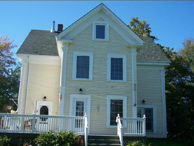 Back of house - PillowCase B&B Somerset Nova Scotia - Berwick - rentals