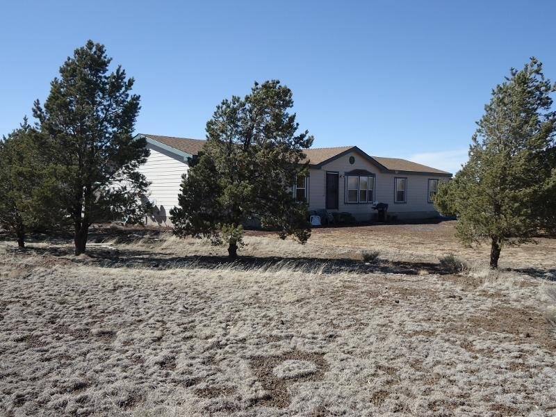 Front of home looking Northwest - Grand Canyon Area Vacation Rental In Williams, AZ - Williams - rentals