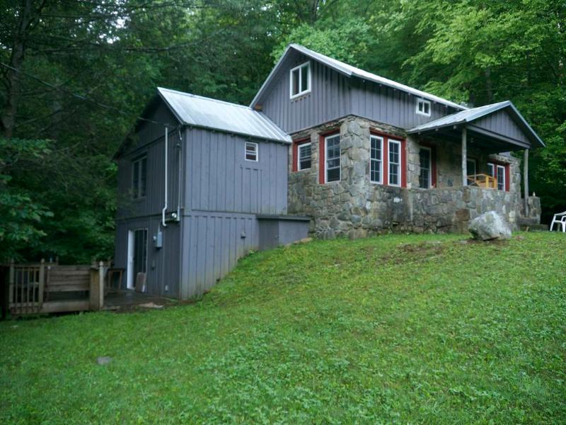 Jacob's Cabin - Jacob's Cabin in the Smokies of North Carolina - Canton - rentals