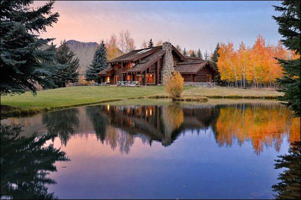 Secluded and Stunning Vacation Property - Riverside Log Home with Large Yard & Pond - Beautiful Quality Throughout the Home (1217) - Ketchum - rentals