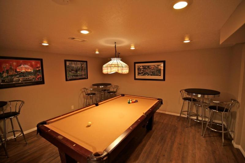 Pool room on lower level - Black Bear Lodge - walk to Blue Jay Village - Blue Jay - rentals