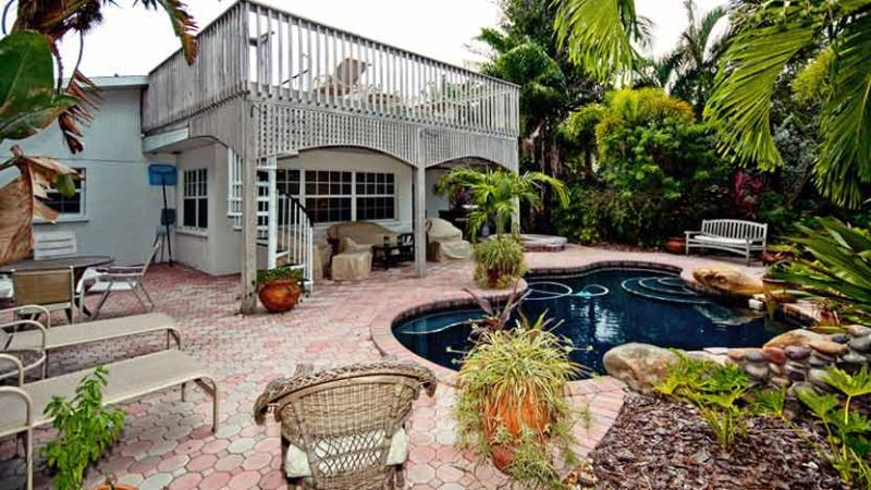 Inviting Backyard! - Island Oasis: 2BR Canal Home with Pool & Dock - Anna Maria - rentals
