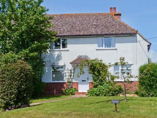 FAIRVIEW, family-friendly cottage, with en-suite bedroom, enclosed garden, village location, in Pett, Ref 23446 - Image 1 - Pett - rentals