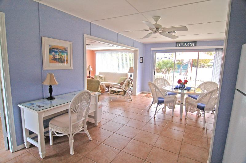 Desk with seating - SUMMER SPECIALS!! Lovely, PET friendly, near beach - Sanibel Island - rentals