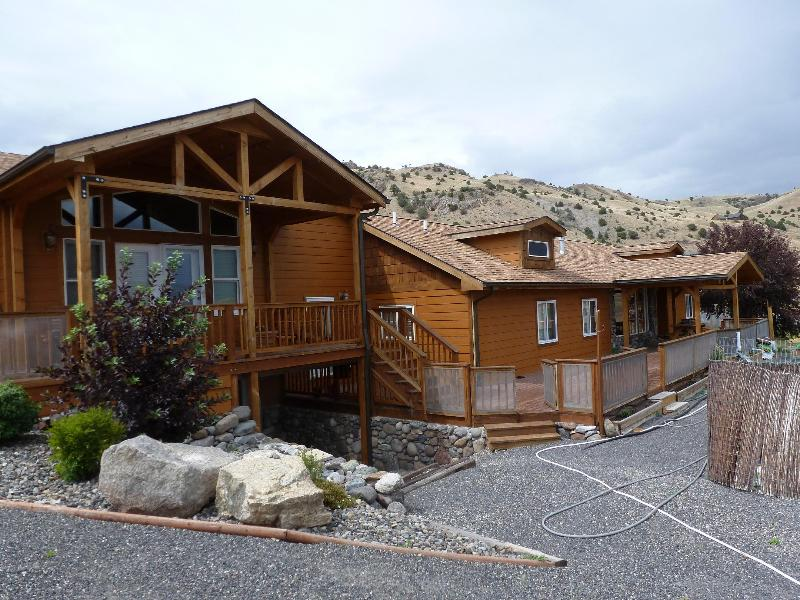 Mile High Vista features stunning views and a stunning deck to enjoy them. - Mile High Vista - Emigrant - rentals