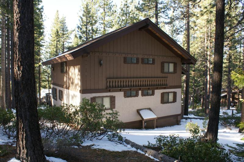 Large Vacation Home with Hot Tub and Pool Table - Image 1 - Incline Village - rentals
