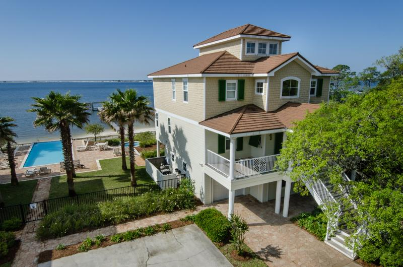 The Seahorse Retreat - Unique Sound-Front Home With Great Amenities - Navarre - rentals
