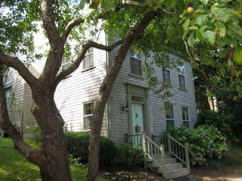 Built into a hillside, 6 Angola nestles into the land - Trunkles - Nantucket - rentals