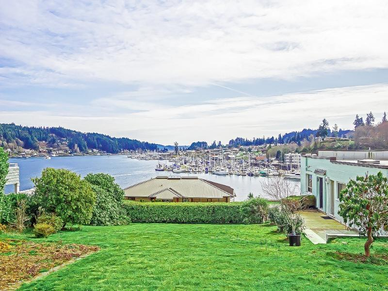 Your view! House and property on the right. Grass in photo is neighbors yard. - Center of it all- Best location/view in Gig Harbor - Gig Harbor - rentals