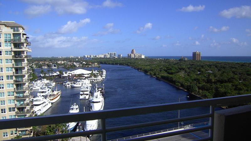Sweeping views from 12th floor over the intracoastal and ocean. - Gallery ONE -Oceanview 1brm ! FREE VALET PARKING ! - Fort Lauderdale - rentals