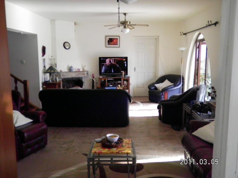 lounge - Dragons Den Bed & Breakfast - Kyrenia - rentals