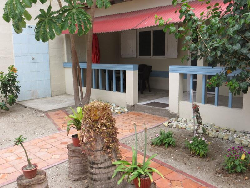Private patio - Cute one bdrm apt across from the beach in Olon - Montanita - rentals