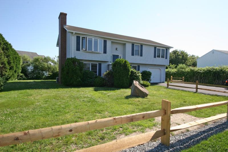Front of House - Popular Eastward Look- 1/2 Mile from Ocean - Narragansett - rentals