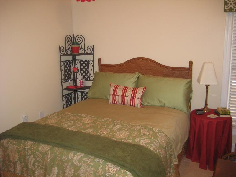 Comfy Queen Bed - Our Beach Bungalow ~ next to Rosemary Beach! - Rosemary Beach - rentals
