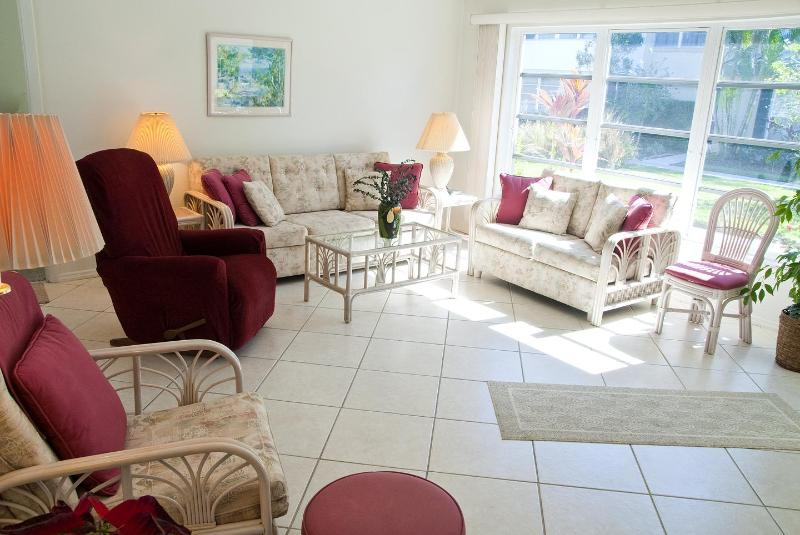 Living room - Lovely beachside villa - Sarasota - rentals