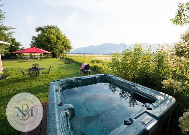 Farm cottage with amazing mountain views! Discount for stays over 7 nights! - Image 1 - Kalispell - rentals
