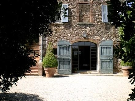 Porto Ercole,Tuscany Coast: Classic Charm in Fabulous 18th c. Farmhouse now Chic Designer Villa w Po - Image 1 - Porto Ercole - rentals