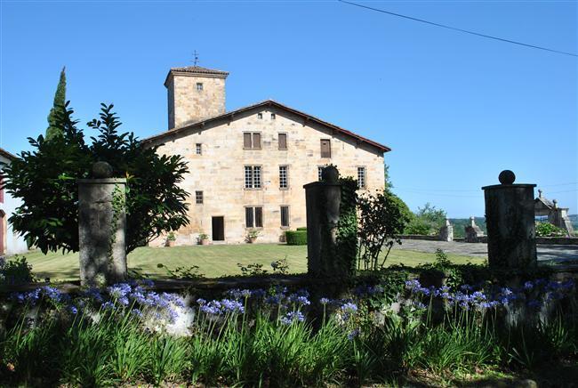 Manoir du Chevalier: Historic 16th century Manor House and Guest House at St.Jean de Luz - Image 1 - Saint-Jean-de-Luz - rentals
