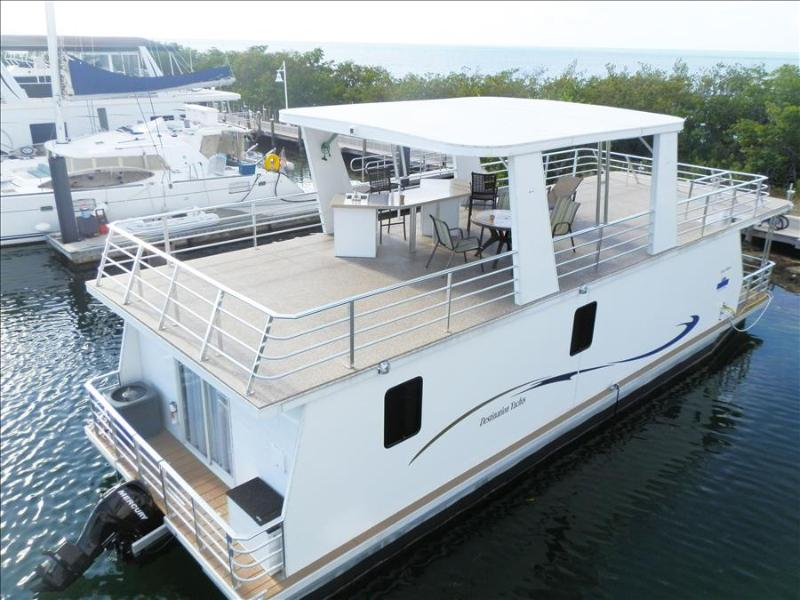 Houseboat Libra: Modern & Spacious 3 Bdrm Floating Home - Image 1 - Key West - rentals
