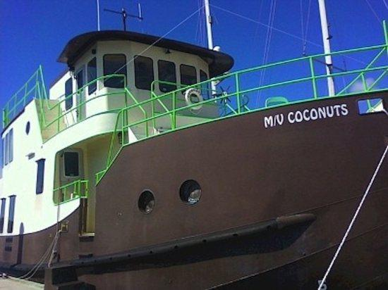 Houseboat Trawler MV Coconuts: Once in a Lifetime Vacation With Pool Access - Image 1 - Key West - rentals
