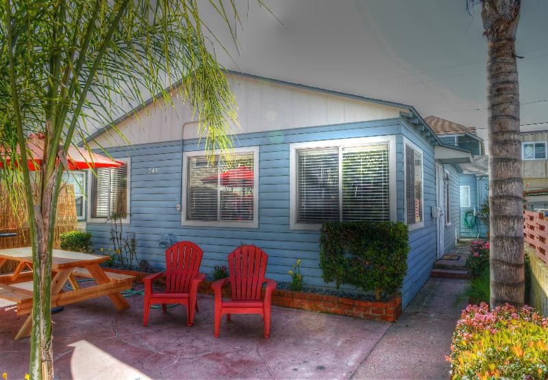 THE BLUE HOUSE - $99 FEB SPECIAL  -  UPGRADED BEACH 'HOUSE' - Pacific Beach - rentals