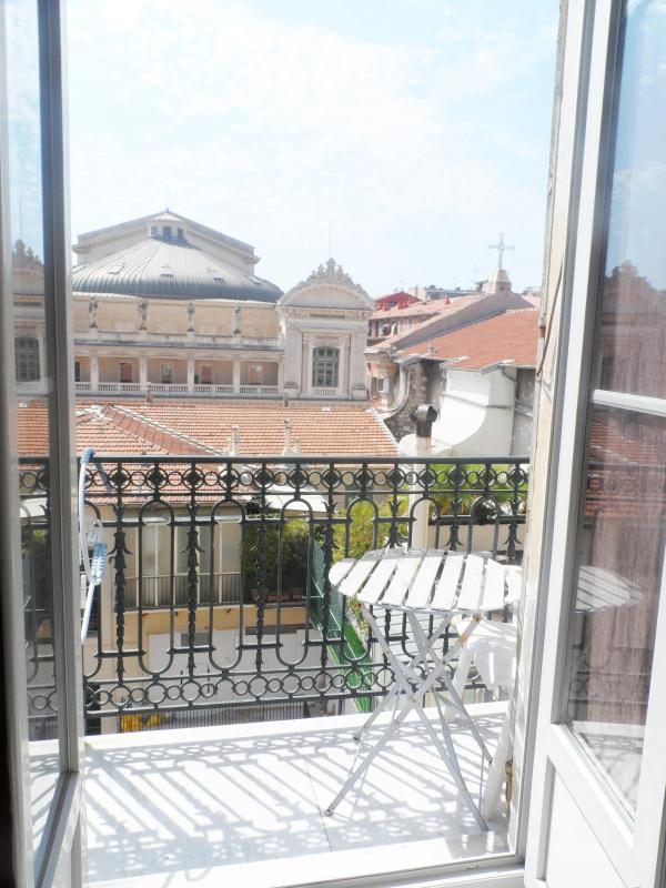 Mezzanine Vacation Rental in Vieux Nice, 100 meters from the Seaside - Image 1 - Nice - rentals