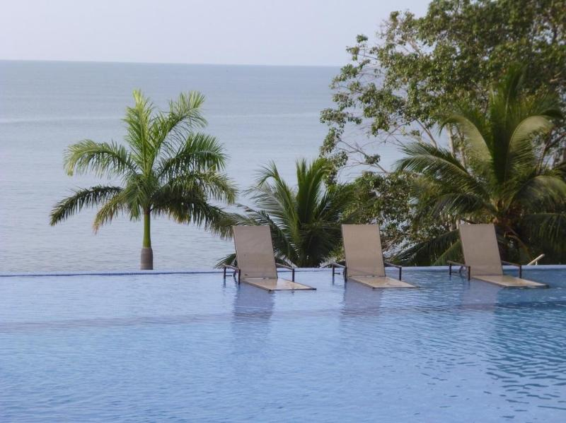 Infinity swimming pool and Pacific Ocean view - Nueva Gorgona Bahia Playa Serena - Coronado - rentals
