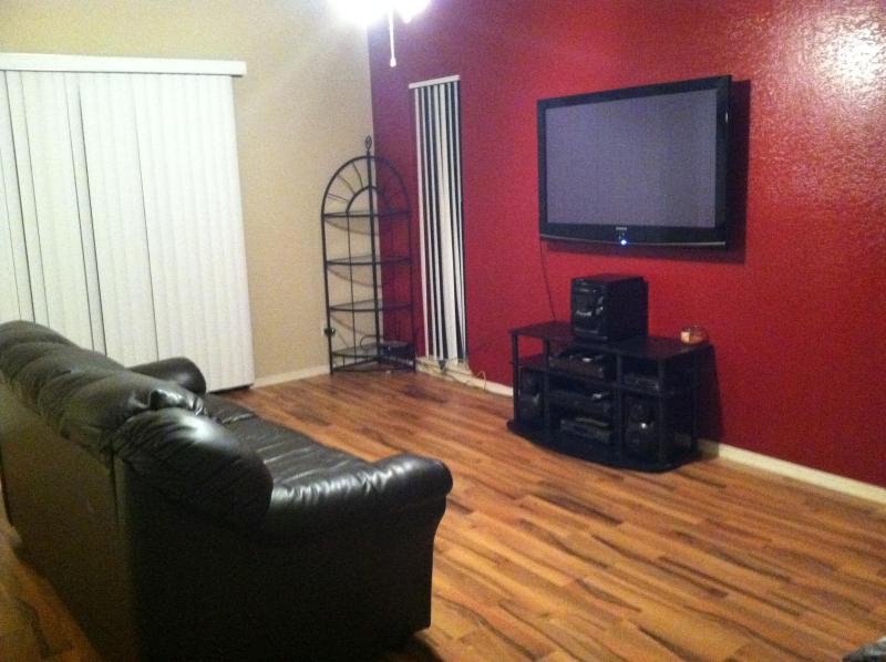 Fully Furnished 3 bed/2bath in heart of city of Tucson Az - Image 1 - Tucson - rentals