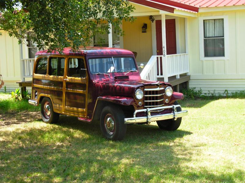 GUEST PARKED IN FRONT O'FANNIN RANCH HOUSE OF A SUMMERS DAY - O'FANNIN RANCH HOUSE - Texas - rentals