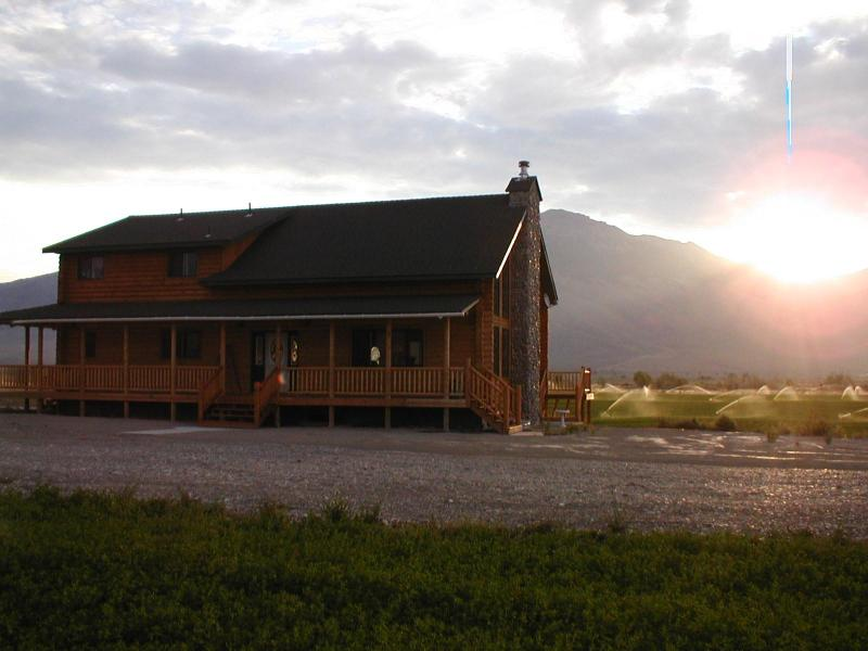 Front of House - King Mountain Bed and Breakfast for all rooms - Moore - rentals