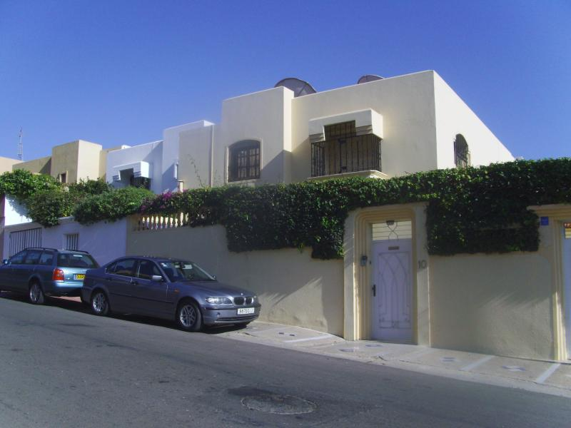 Outside view of the villa - Cosy  4 bedroom Holiday villa in Agadir - Agadir - rentals