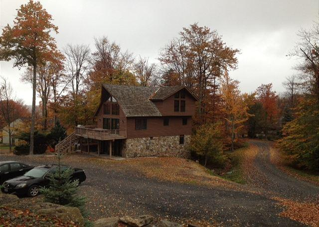 It is a short and easy walk to the slopes from this lovely mountain chalet. - Image 1 - Davis - rentals