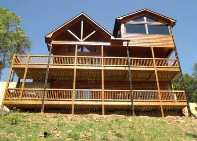 VIEW SIDE - ENJOY AN INSPIRING VIEW AT THIS WONDERFUL CABIN. - Mineral Bluff - rentals