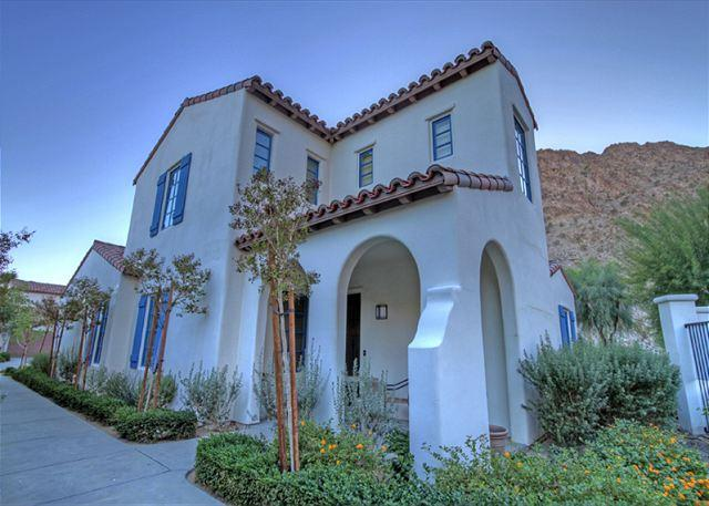 3 Bedroom Townhouse, backs up to the mountain with private garage - Image 1 - La Quinta - rentals
