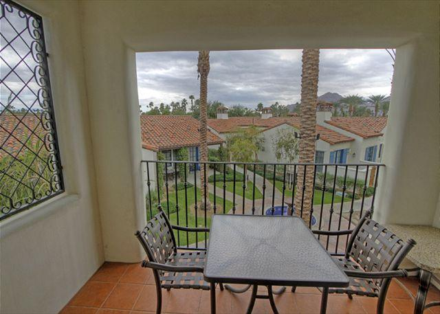 Master Suite Deck View - Highly Upgraded 3 Bedroom Upstairs Villas across from  Main Resort Style Pool - La Quinta - rentals
