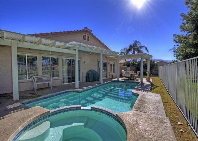 2 Bedroom Home with private pool on the golf course - Image 1 - Indio - rentals