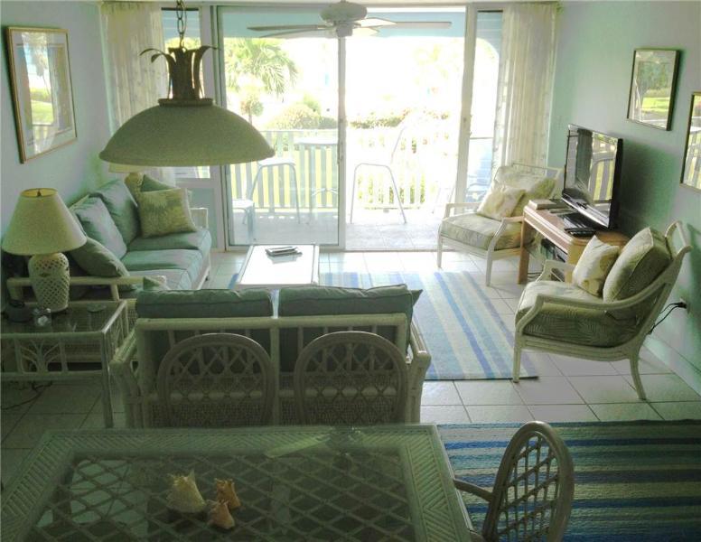 SILVER SANDS -UNIT #8 - Image 1 - Seven Mile Beach - rentals