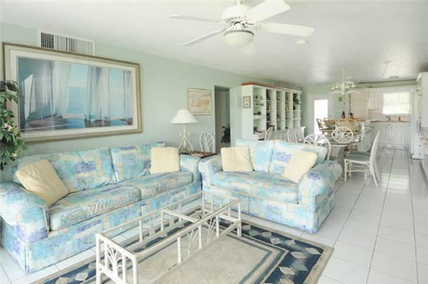 SILVER SANDS CONDOS-UNIT#28 - Image 1 - Seven Mile Beach - rentals