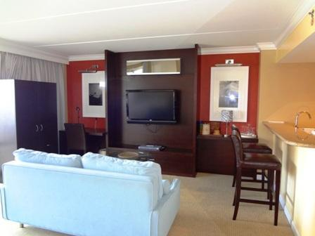 living area with TV - Breathtaking oceanview apt - Honolulu - rentals