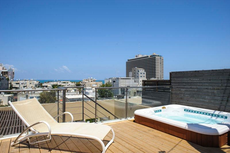 Gorgeous 3br vacation apartment rental in Tel Aviv - Image 1 - Tel Aviv - rentals