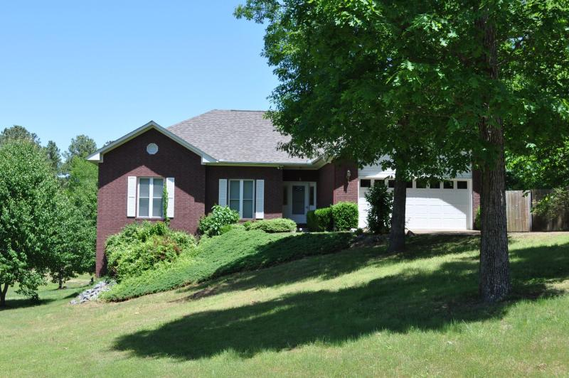 Our beautiful 2900+ sq ft home, on a 2/3 acre lot.  Plenty of room to spread out! - Roomy Lake Hamilton Home - Wifi, Dock, Deck - Hot Springs - rentals