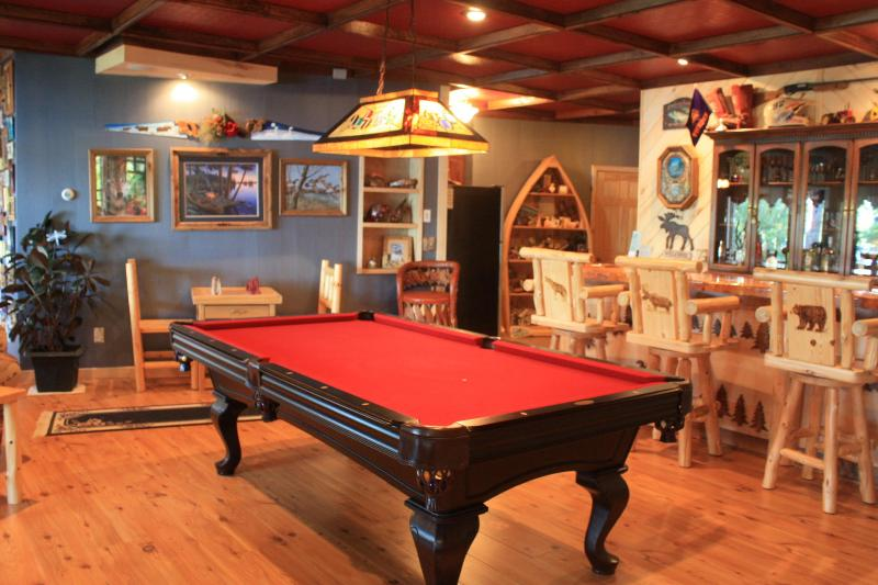 The Bar, Game Room and Kitchen - Exquisite lake Inn rental - Squaw Lake - rentals