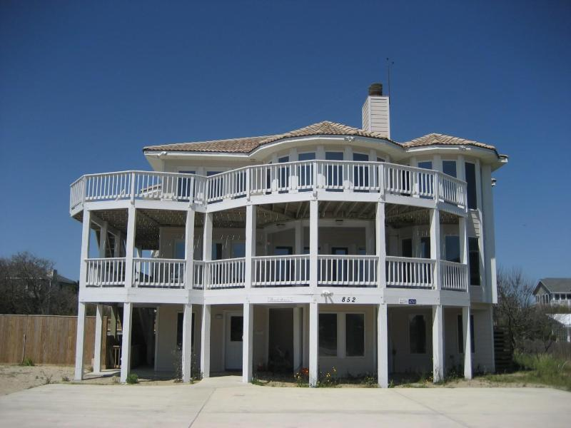 Beautiful semi-oceanfront home - steps to the beach! - Semi-ocean front, gourmet kitchen, 200' to beach, private pool, hot tub, sand volleyball! WH1 - Corolla - rentals